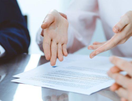 Come sciogliere i gesti di chiusura di un cliente e migliorare la comunicazione